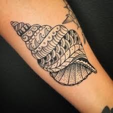 tatuaje-maorí-conchas